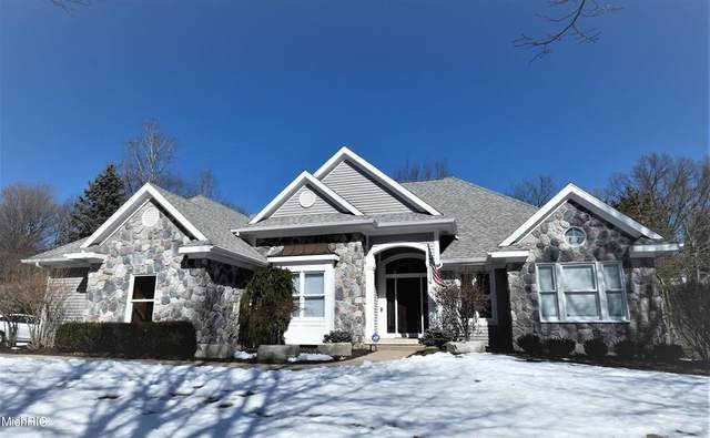 2561 Hunter Green Court SE, Cascade Twp, MI 49546 (#65021006398) :: GK Real Estate Team