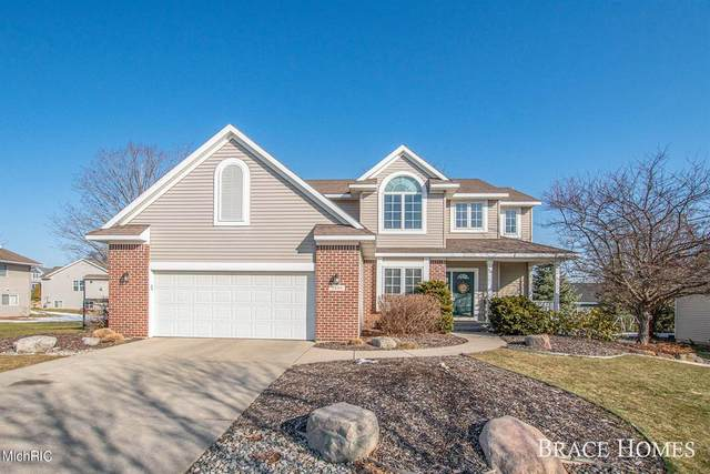 2899 Hunters Drive, Georgetown Twp, MI 49428 (#65021006421) :: The Merrie Johnson Team