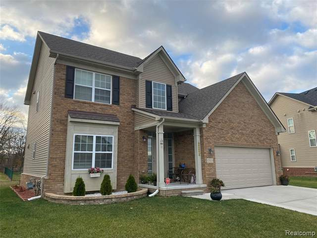 17524 Sunny Crest Drive, Brownstown Twp, MI 48174 (MLS #2210014169) :: The John Wentworth Group