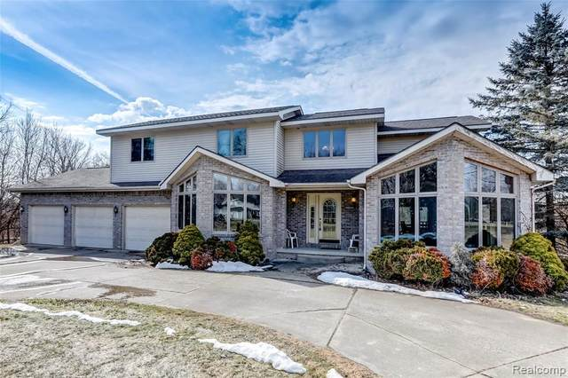 1235 N Morrish Road, Flint, MI 48532 (MLS #2210014179) :: The John Wentworth Group