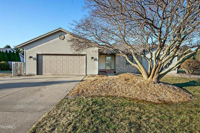 741 Maiden Lane, ST.JOSEPH TWP, MI 49085 (#69021006500) :: GK Real Estate Team