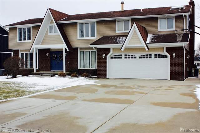 2906 Canal Drive, Port Huron, MI 48060 (#2210014234) :: Novak & Associates