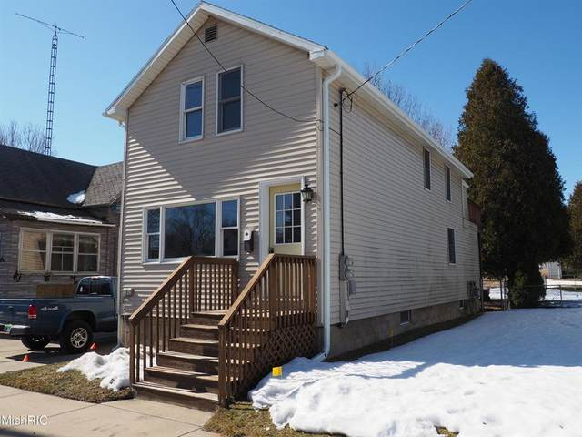 512 Ramsdell Street, Manistee, MI 49660 (#67021006617) :: The Alex Nugent Team | Real Estate One