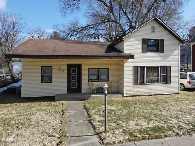 703 S Oak Street, Buchanan, MI 49107 (#69021006636) :: The BK Agency