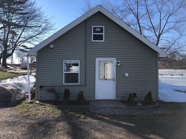 551 W Lake Street, Sand Lake Vlg, MI 49343 (#72021006651) :: The BK Agency