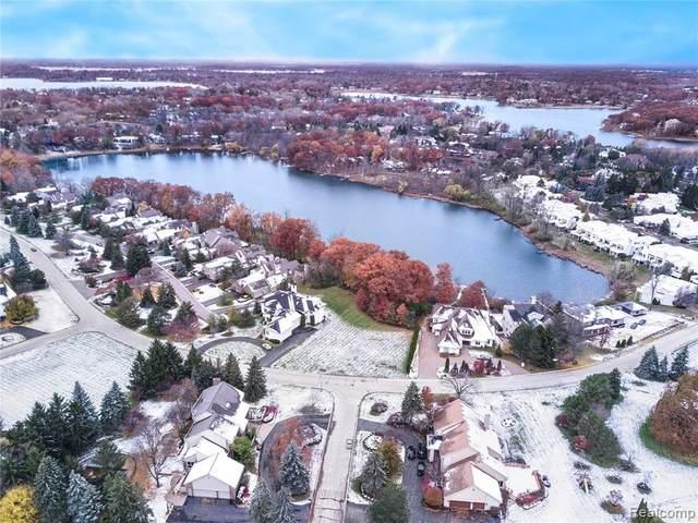 3770 Wabeek Lake Drive E, Bloomfield Twp, MI 48302 (#2210014556) :: Alan Brown Group