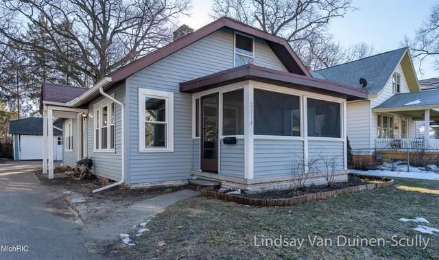 2314 Francis Avenue SE, Grand Rapids, MI 49507 (#65021006786) :: The Mulvihill Group