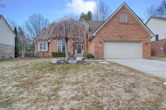 23160 Mystic Forest Drive, Novi, MI 48375 (#2210014942) :: Duneske Real Estate Advisors