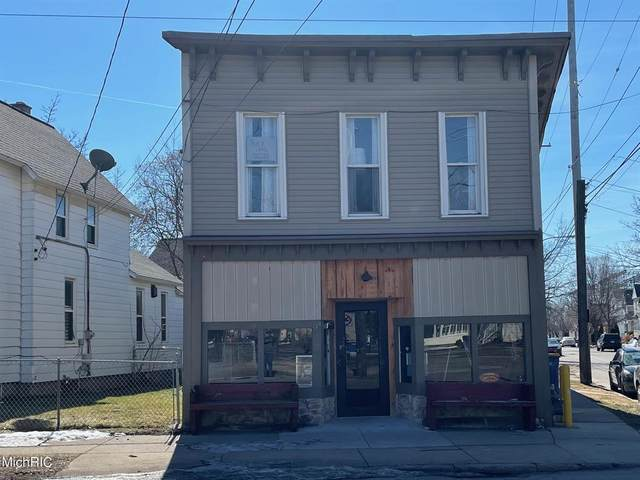 918 Butterworth Street SW, Grand Rapids, MI 49504 (#65021006941) :: The Mulvihill Group