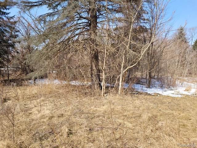 0000 Pontiac Lake, Waterford Twp, MI 48327 (#2210015239) :: Keller Williams West Bloomfield