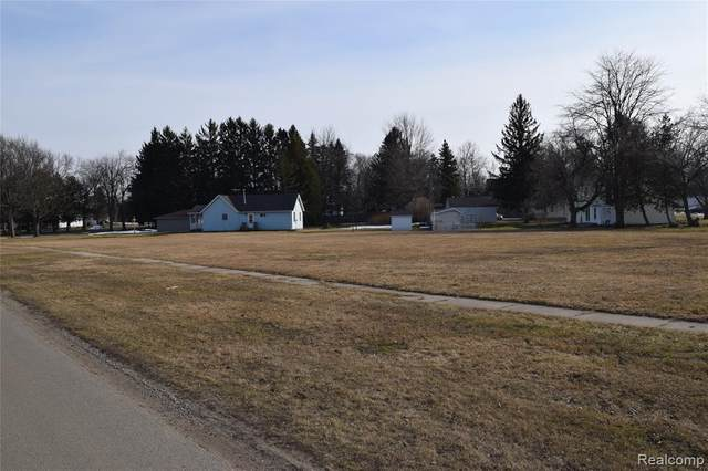 2796 Angle Street, Marlette, MI 48453 (#2210015303) :: Real Estate For A CAUSE