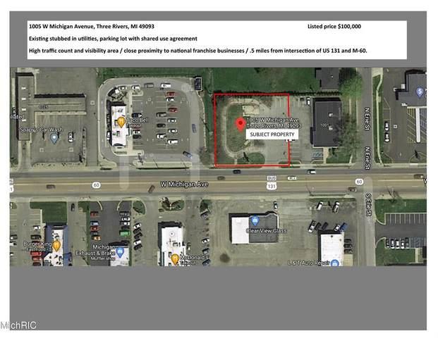 1005 W Michigan Avenue, Three Rivers, MI 49093 (#68021007194) :: Novak & Associates