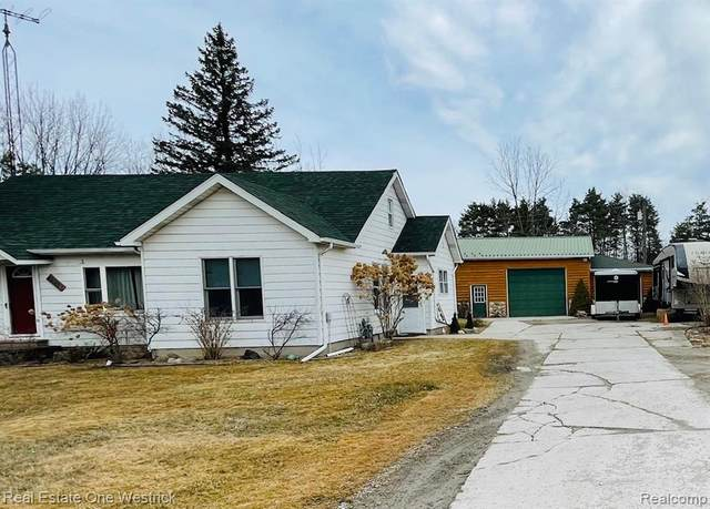 4948 Lapeer Road, Kimball Twp, MI 48074 (#2210016070) :: Real Estate For A CAUSE