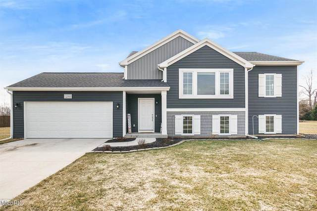 32891 Cabernet Avenue, Antwerp Twp, MI 49079 (#66021007499) :: Duneske Real Estate Advisors