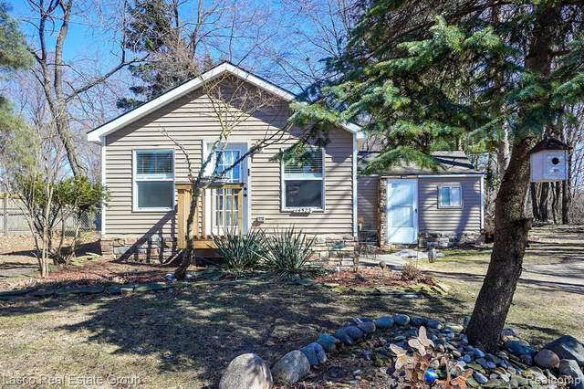 14523 North Road, Fenton Twp, MI 48430 (#2210016510) :: Real Estate For A CAUSE