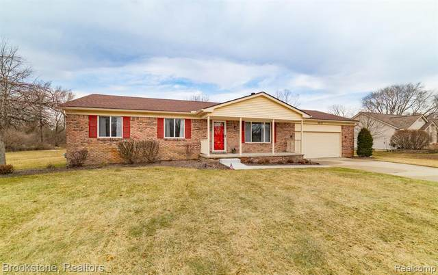 4631 Desert Bridge Court, Highland Twp, MI 48356 (#2210016662) :: Novak & Associates