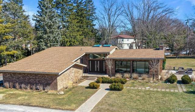 2805 Ayrshire Drive, Bloomfield Twp, MI 48302 (#2210017381) :: Duneske Real Estate Advisors