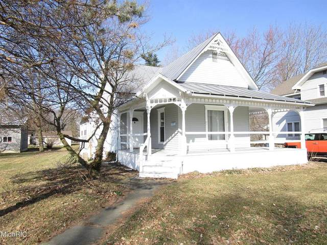 45 N Main St, QUINCY VLLG, MI 49082 (#62021008244) :: Real Estate For A CAUSE
