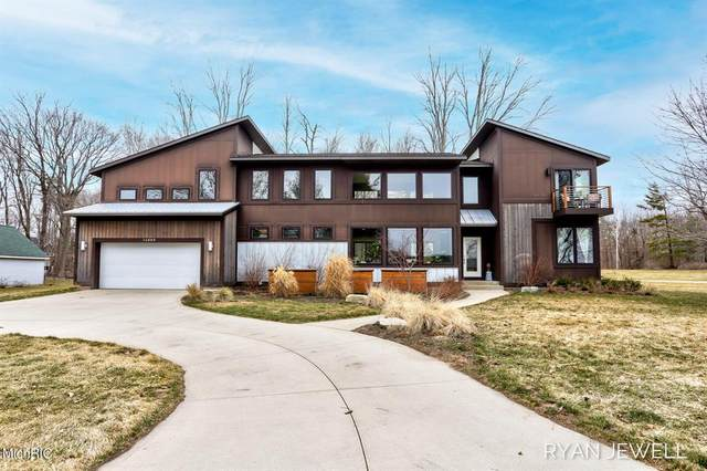 14669 Boom Road, Spring Lake Twp, MI 49456 (#71021008246) :: Duneske Real Estate Advisors