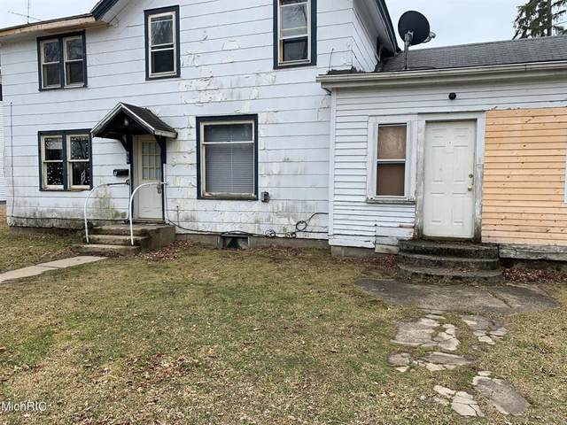 214 E St Joseph Street, Lawrence Vlg, MI 49064 (MLS #66021009075) :: The John Wentworth Group