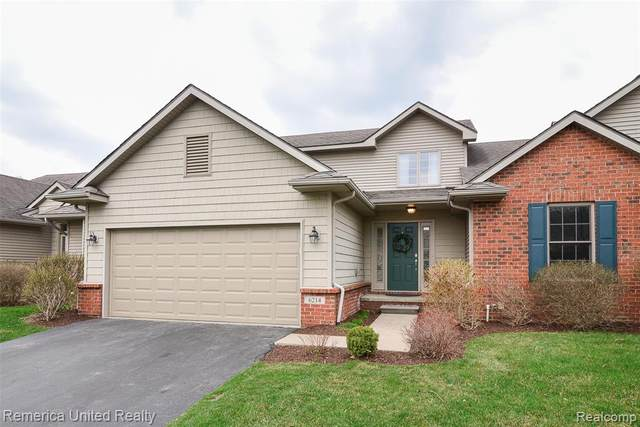 6214 Mountain Laurel Drive, Brighton, MI 48116 (MLS #2210019366) :: The John Wentworth Group