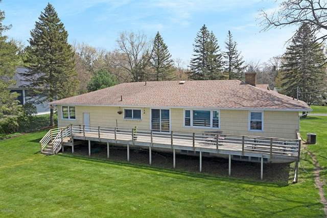 16015 Leonard Road, Spring Lake Twp, MI 49456 (#71021009309) :: Duneske Real Estate Advisors