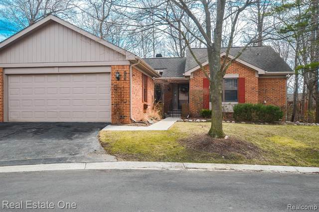 7283 Danbrooke, West Bloomfield Twp, MI 48322 (#2210019805) :: RE/MAX Nexus