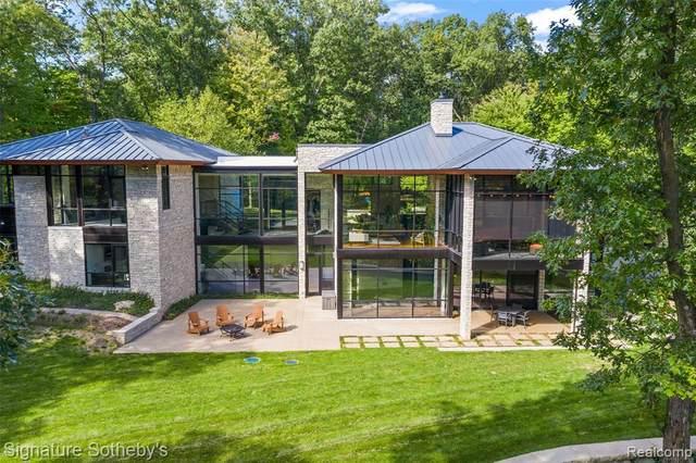 6956 Cooley Lake Road, White Lake Twp, MI 48383 (#2210019869) :: Duneske Real Estate Advisors