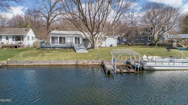 12823 Valley Drive, Yankee Springs Twp, MI 49348 (#65021009566) :: Real Estate For A CAUSE