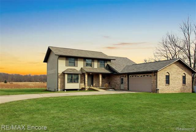 2585 Wildwood Road, Groveland Twp, MI 48442 (#2210020405) :: Real Estate For A CAUSE