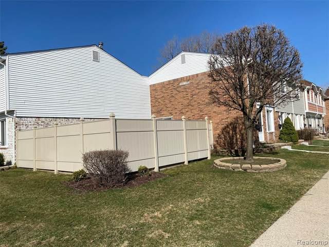 45880 Kensington Street #45880, Utica, MI 48317 (#2210021017) :: Real Estate For A CAUSE