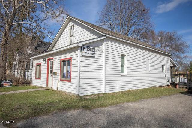 416 N State Street, Big Rapids, MI 49307 (#72021010069) :: Novak & Associates