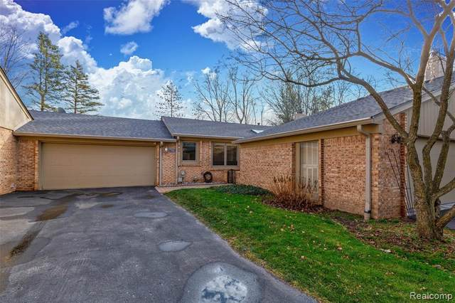 715 Arbor Court, Bloomfield Hills, MI 48304 (#2210021561) :: Duneske Real Estate Advisors