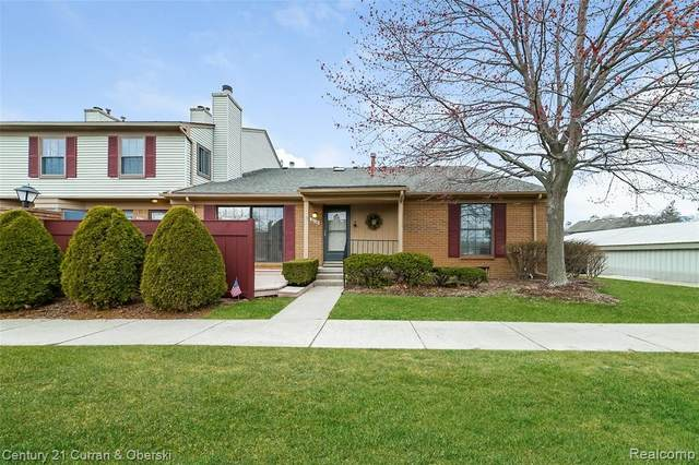 38886 Country Circle, Farmington Hills, MI 48331 (#2210021787) :: The Alex Nugent Team | Real Estate One