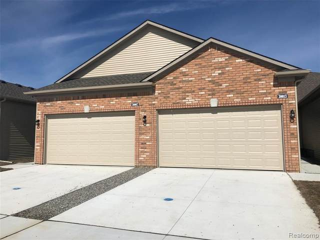 54313 Camden Circle, Chesterfield Twp, MI 48051 (#2210021977) :: Real Estate For A CAUSE