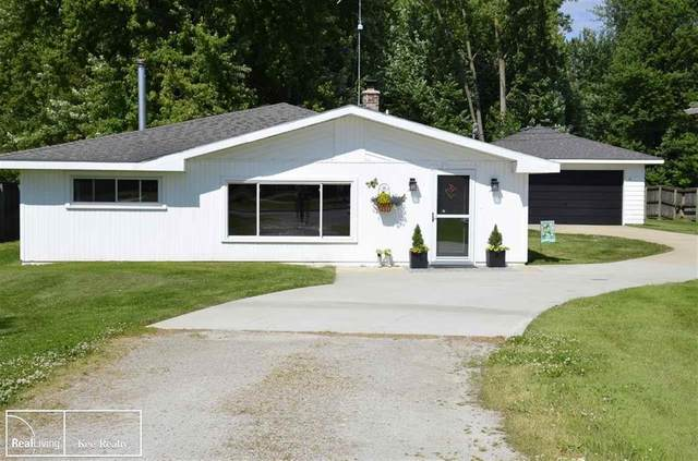 48677 Sugarbush, Chesterfield Twp, MI 48047 (#58050037889) :: Real Estate For A CAUSE
