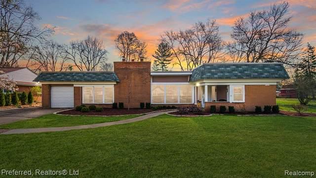 18024 Lathers Street, Livonia, MI 48152 (#2210022149) :: GK Real Estate Team