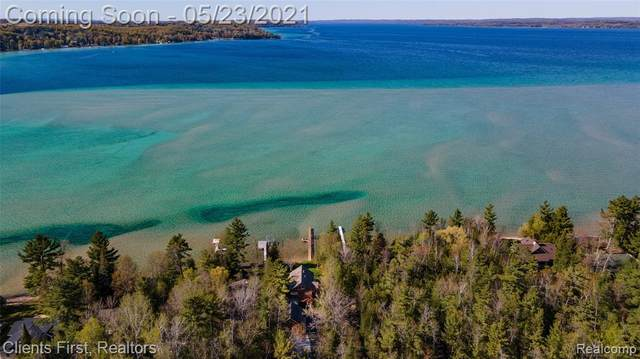 7224 Crystal Beach Road NW, Clearwater Twp, MI 49676 (#2210022508) :: BestMichiganHouses.com