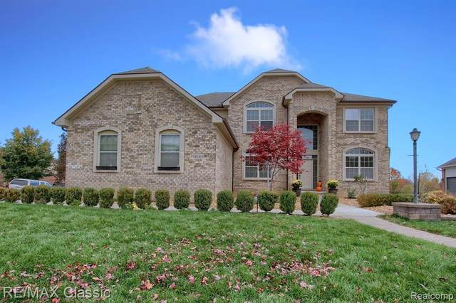 41919 Wolfe Pass, Novi, MI 48377 (#2210022841) :: Duneske Real Estate Advisors