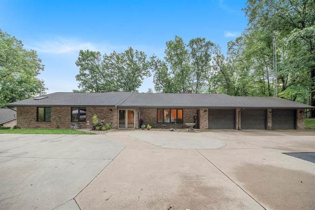 8221 26th Street, Pine Grove Twp, MI 49055 (#66021010953) :: Real Estate For A CAUSE