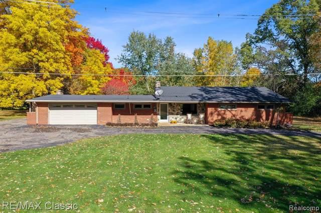 46900 W 11 MILE Road, Novi, MI 48374 (#2210022990) :: Real Estate For A CAUSE