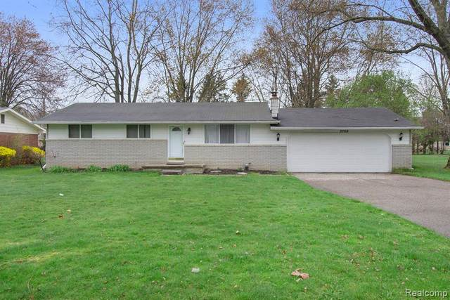 3708 W Maple Road, Wixom, MI 48393 (#2210023484) :: Real Estate For A CAUSE