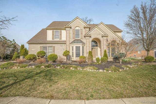 455 Country Club Lane, Canton Twp, MI 48188 (#2210023546) :: The Mulvihill Group