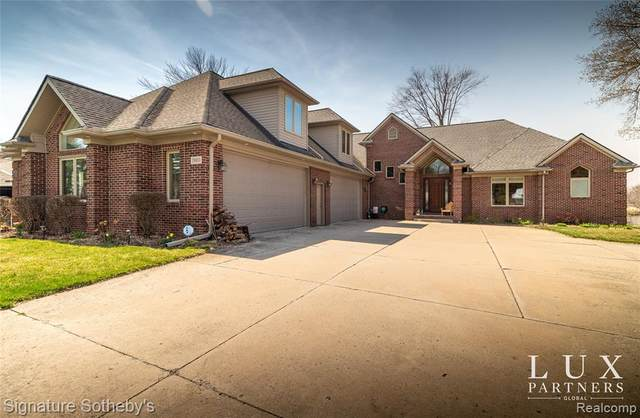 39811 Duluth Street, Harrison Twp, MI 48045 (#2210023856) :: Real Estate For A CAUSE
