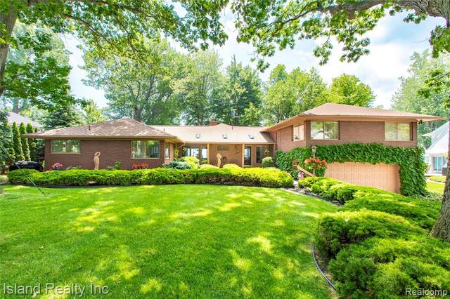 30050 Bayview Drive S, Grosse Ile Twp, MI 48138 (#2210023899) :: GK Real Estate Team