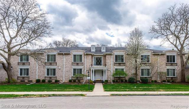 40760 Woodward Ave Unit 48 Avenue, Bloomfield Hills, MI 48304 (#2210023999) :: The Alex Nugent Team | Real Estate One