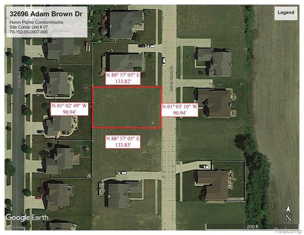 32696 Adam Brown Drive, Brownstown Twp, MI 48173 (#2210024035) :: Novak & Associates
