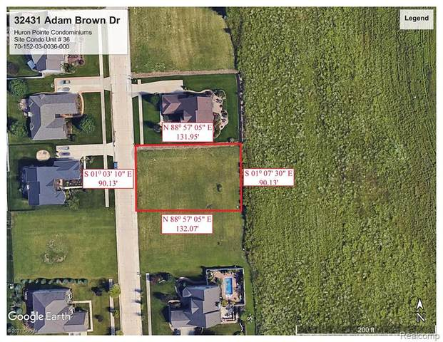 32431 Adam Brown Drive, Brownstown Twp, MI 48173 (#2210024051) :: Novak & Associates