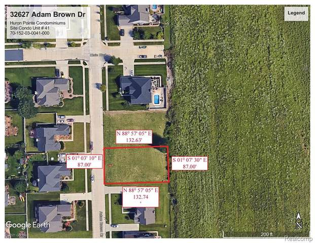 32627 Adam Brown Drive, Brownstown Twp, MI 48173 (#2210024053) :: Novak & Associates