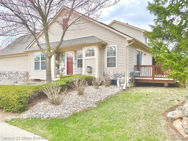 6085 Evergreen Lane, Grand Blanc Twp, MI 48439 (#2210024102) :: Real Estate For A CAUSE